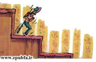 کتاب قصه کودکانه سرباز حلبی - داستان شب برای کودکان -بازافرینی قصه و داستان ایپابفا- پایین رفتن از پله ها